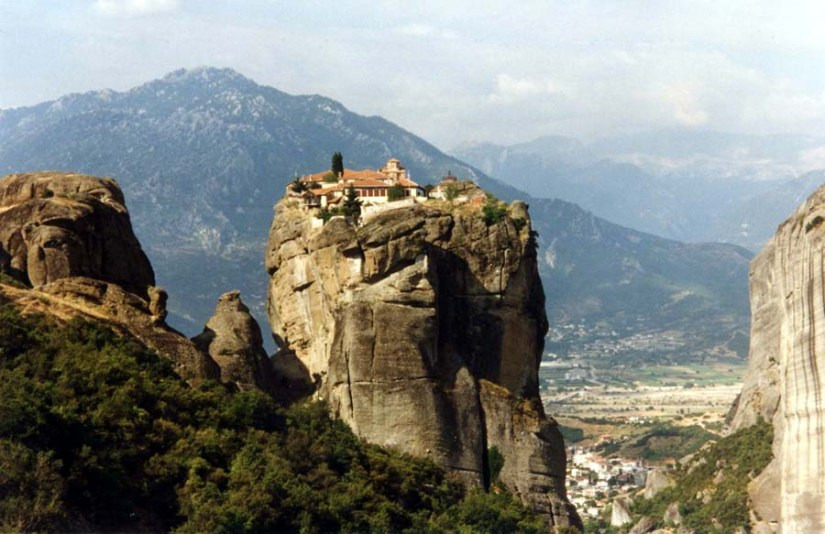 Meteora Clifftop monasteries. Image from http://www.great-adventures.com/destinations/greece/meteora.html