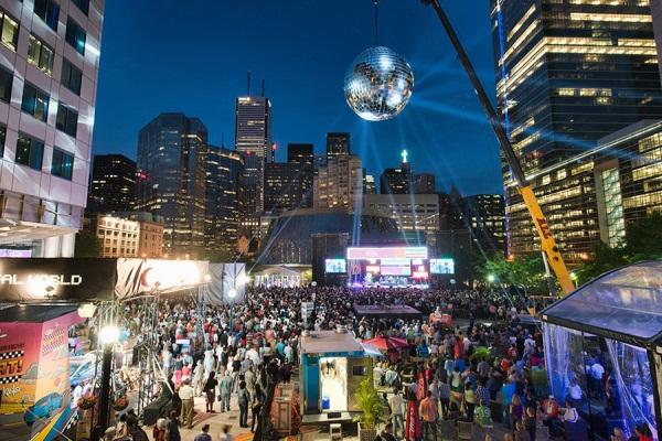 Image from http://luminatofestival.com/festival/2014/festival-hub